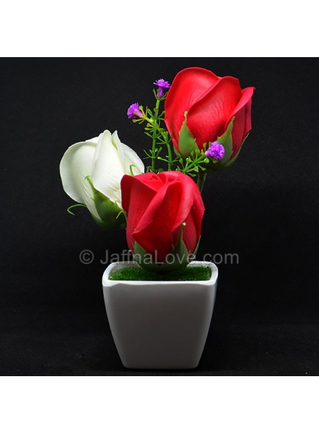 3 Roses on the Vase (Artificial Rose)