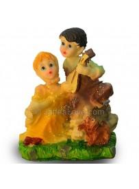 Beautiful Loving Couple Statue