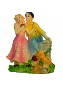 Beautiful Loving Couple Statue